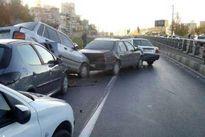 تصادف زنجیرهای در بزرگراه شهید زین الدین تهران