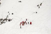 نجات ١۹ کوهنورد از ارتفاعات زردکوه