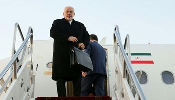 پایان سفر وزیر خارجه ایران به عراق؛ ظریف راهی تهران شد