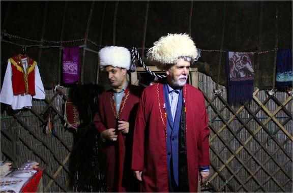 آقای وزیر در لباس سنتی ترکمنها +عکس