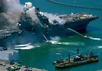 ناو هواپیمابر آمریکایی دچار انفجار شد +عکس
