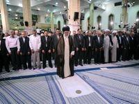 اقامه نمازجماعت ظهر و عصر به امامت رهبر انقلاب در ماه رمضان