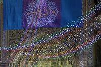چراغانی حرم امام رضا(ع) در شب میلاد ایشان +تصاویر