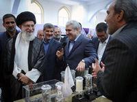 بازدید رهبر انقلاب از نمایشگاه شرکتهای دانشبنیان وفناوریهای برتر/ دستور رهبرانقلاب برای رفع موانع و گلایههای جوانان مبتکر ایرانی