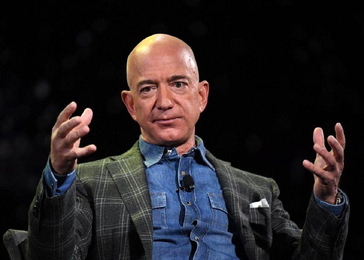 فروش یک میلیون سهم شرکت آمازون در روزهای نخست ماه اوت/ ثروت جف بزوس در حال حاضر چقدر است؟ | اقتصاد آنلاین