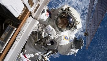 تماشای زمین از فضا +تصاویر