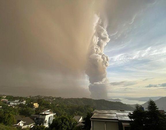 فوران شدید آتشفشان تال +عکس