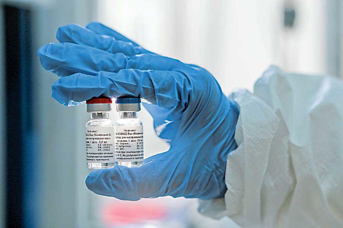 اولین توزیع عمومی واکسن کرونا در جهان