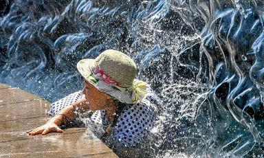 تلاش برای فرار از گرما در سراسر جهان