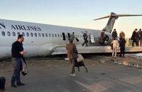لحظه فرود و خروج اضطراری هواپیمای ماهشهر +فیلم