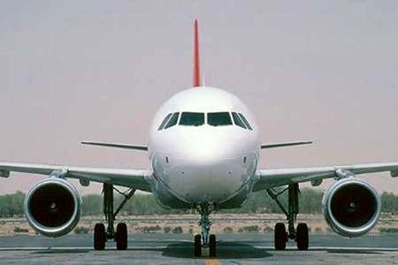 باد مانع فرود هواپیمای مسافربری در زاهدان شد