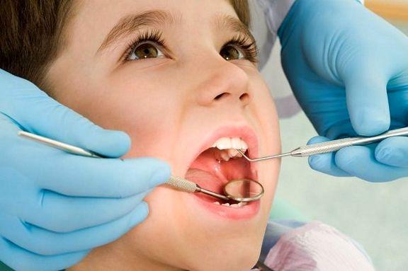 چه چیز باعث پوسیدگی دندان کودکان میشود؟