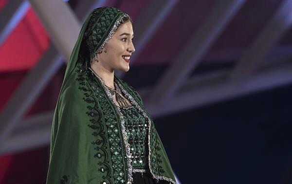 جشنواره بینالمللی فیلم مراکش ,  فرشته حسینی بازیگر افغانستانی ,  عکس فرشته حسینی ,  پوشش فرشته حسینی در مراکش