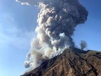 فوران آتشفشان در ایتالیا +تصاویر