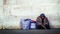 شکایت مرد بیخانمان از زوجی که برای او ۴۰۳هزار دلار جمع کرده بودند!