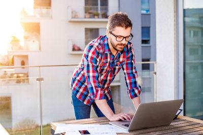 آموزش آنلاین ، کسب و کاری نوپا و پر تقاضا