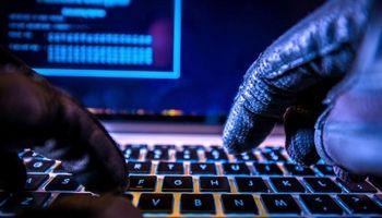 دستگیری باند ۱۱نفره جرایم سایبری در قم