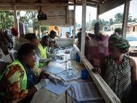 آموزش مقابله با ابولا در آفریقا +تصاویر