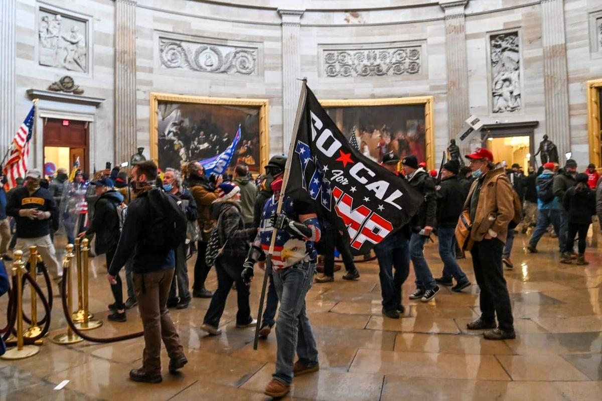 انتشار تصاویر مهاجمان به کنگره آمریکا برای شناسایی +عکس