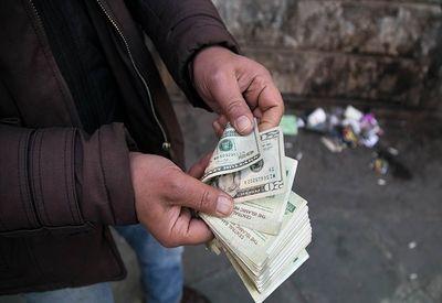 ارسال دلار با پیک موتوری!