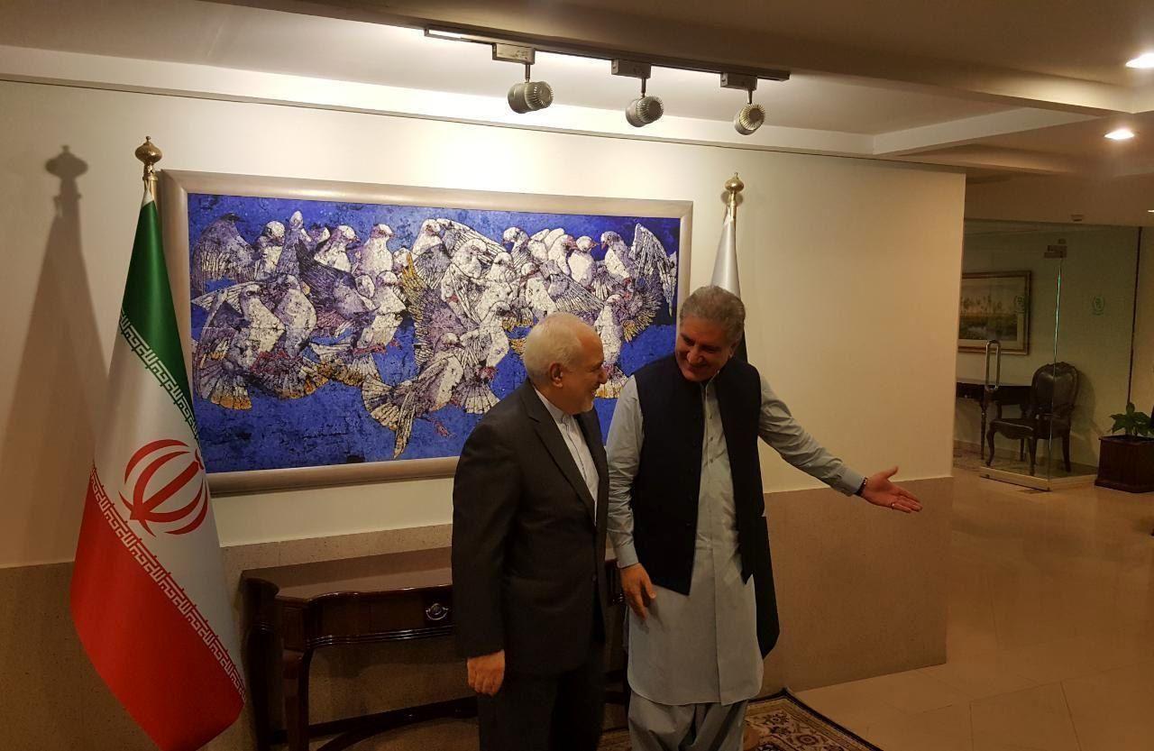 ظریف با وزیر امور خارجه پاکستان دیدار کرد