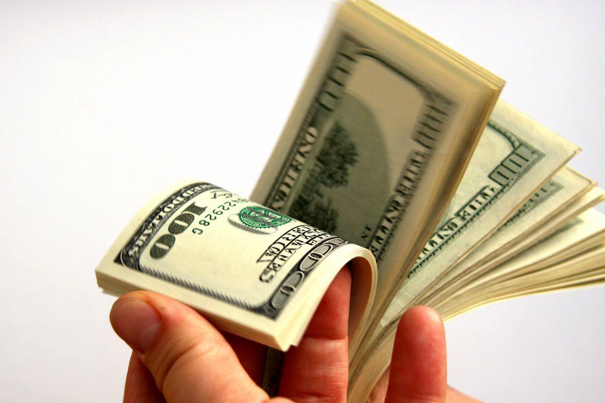 قیمت دلار ۱۲ بهمن ماه ۱۳۹۹
