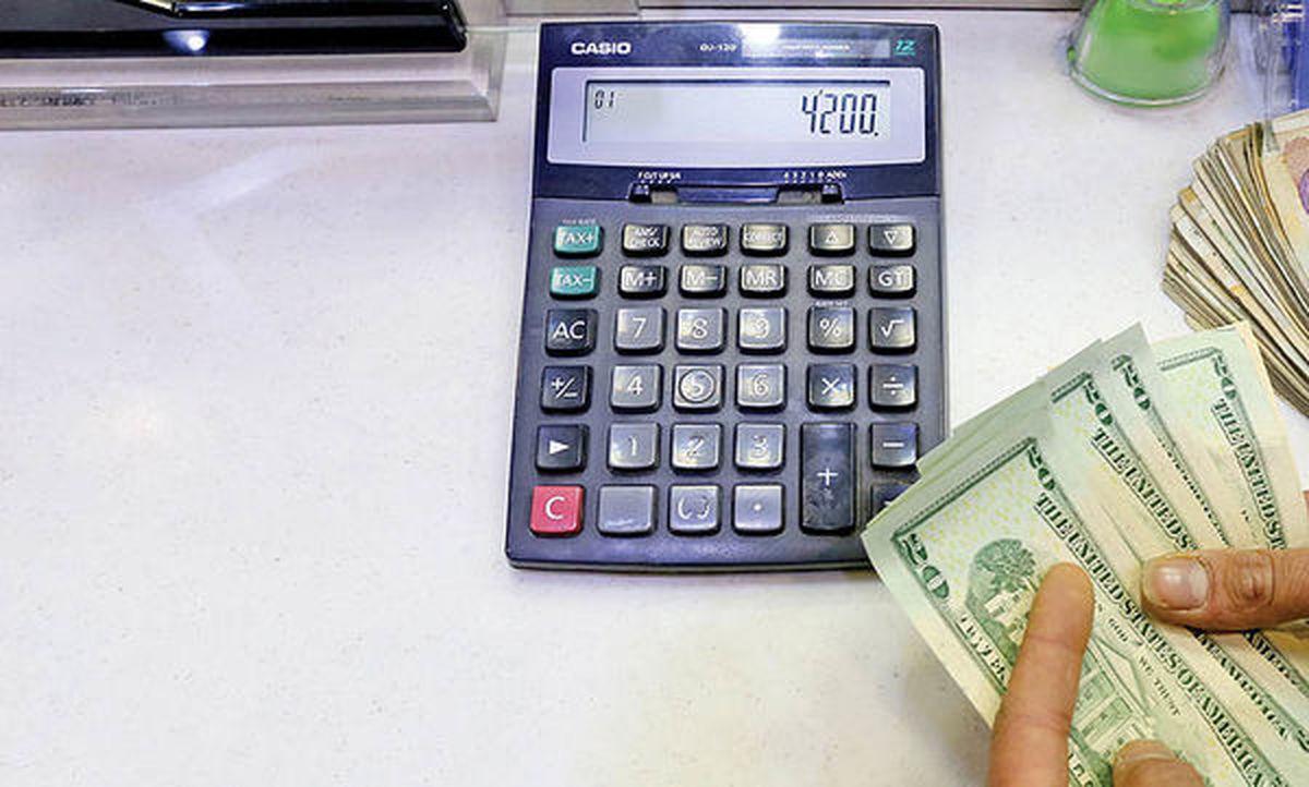 بدترین ماه برای دلار در ۵سال اخیر ثبت شد