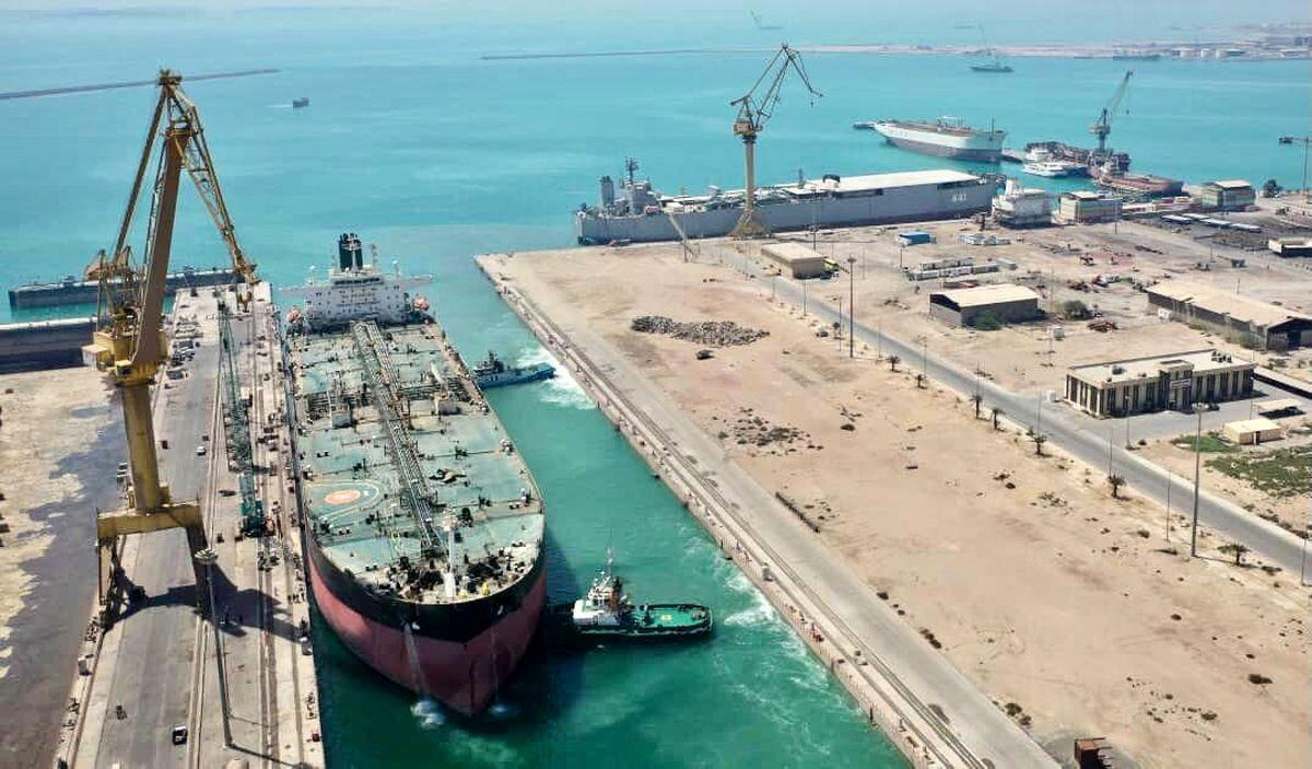 ایران ۶۹ میلیون بشکه نفت آماده تزریق به بازار دارد