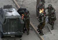 صحنه دردناک آتش زدن دو پلیس زن +عکس