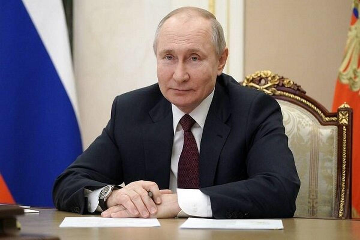 پوتین واشنگتن را به سوء استفاده از دلار متهم کرد