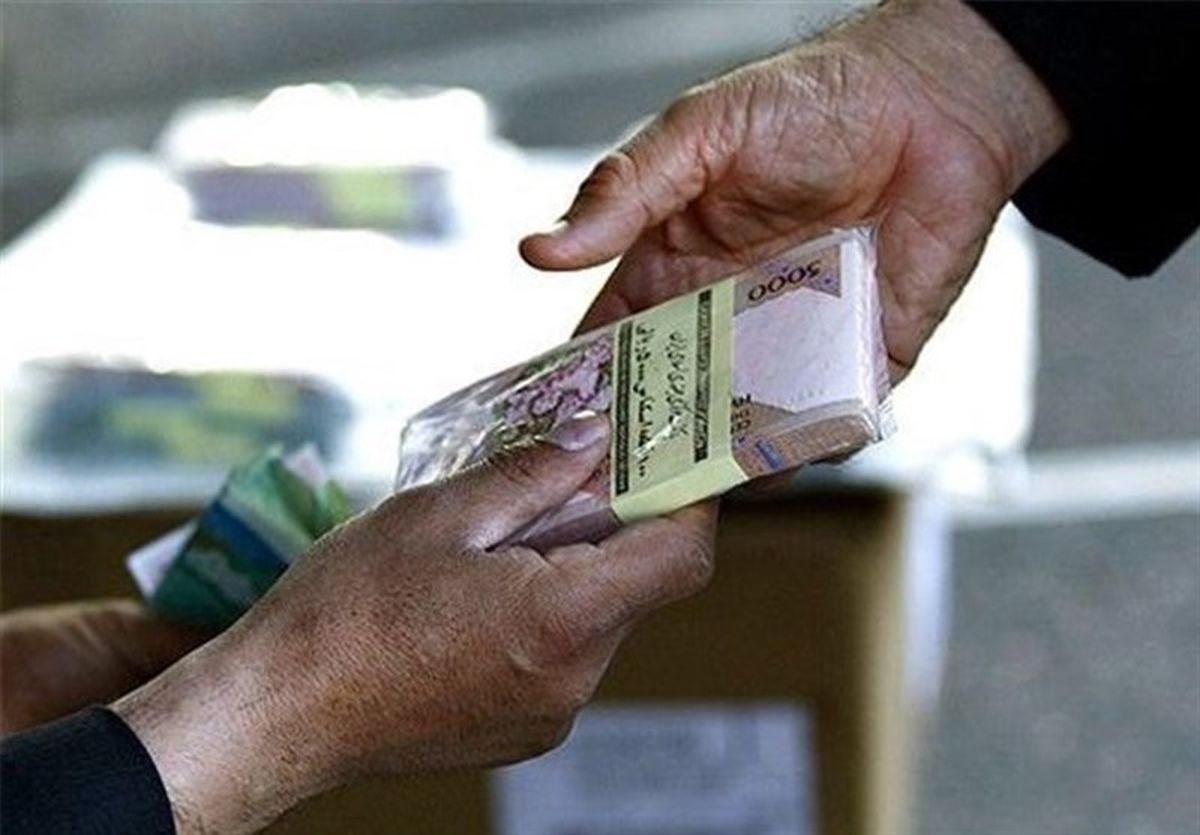 راهکارهای یک نماینده به جای افزایش حقوق کارمندان دولت