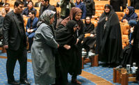 همسر و دختر آیت الله هاشمی در مراسم ختمش +عکس