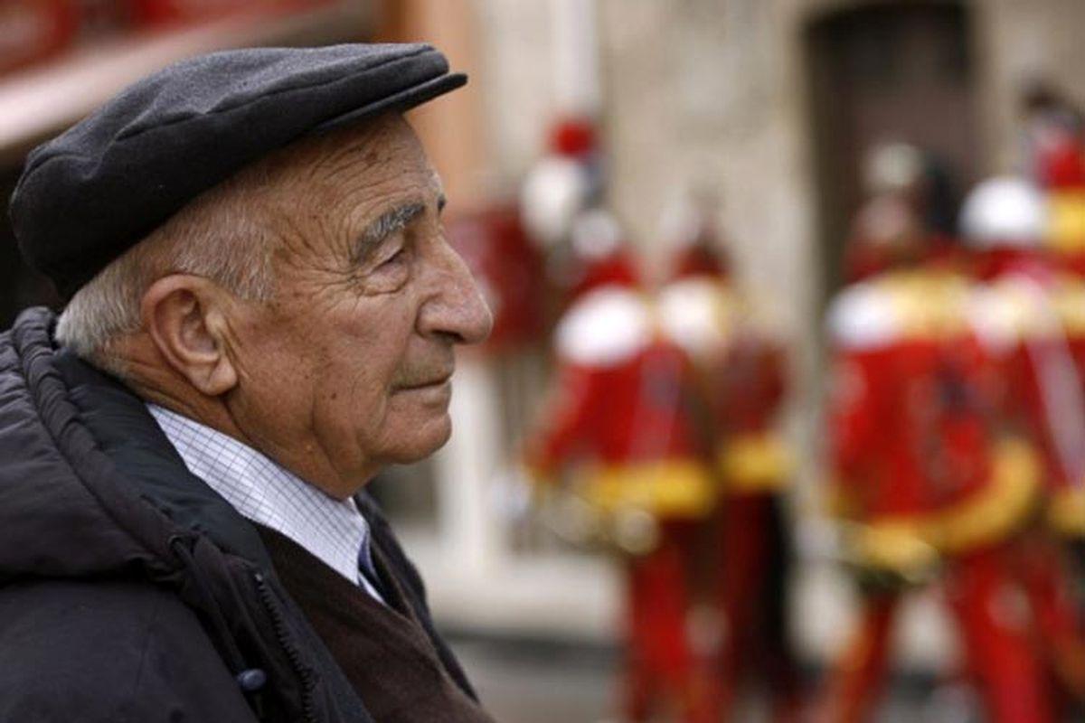 علائم متفاوت کرونا در سالمندان