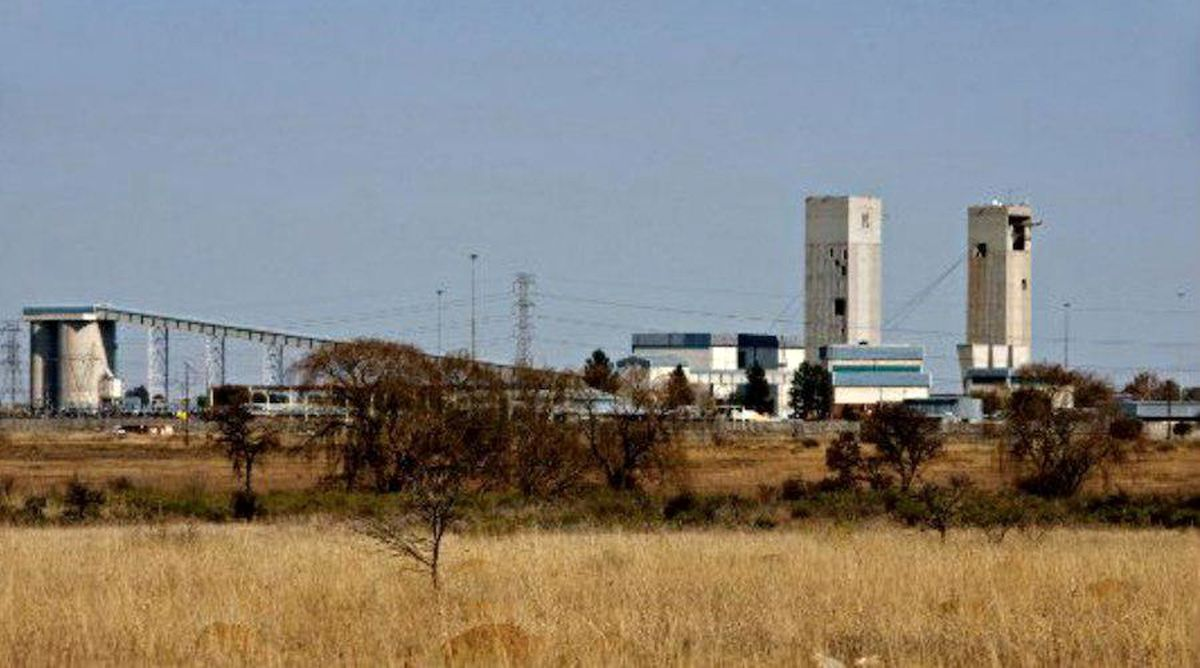 چهار کشته در پی ریزش سنگ در معدن طلای آفریقای جنوبی/ زلزله 2.6ریشتری موجب ریزش آوار شد