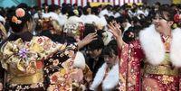 جشن ۲۰سالگی دختران ژاپن +عکس