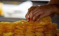 فروش زولبیا و بامیه به آهنگری رسید!
