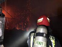 نجات بیش از ۳۰نفر از حریق برج سعادت آباد