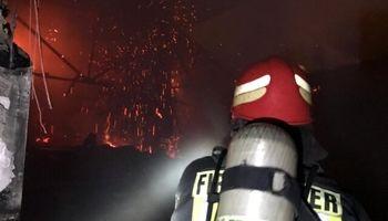 مهار آتش سوزی در میدان حسن آباد تهران +فیلم