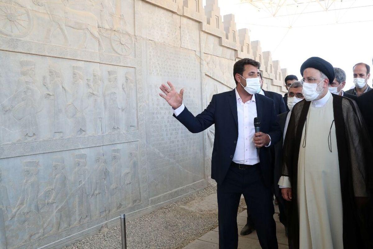 رییسی: تخت جمشید نشانه هنر والای ایرانیان است