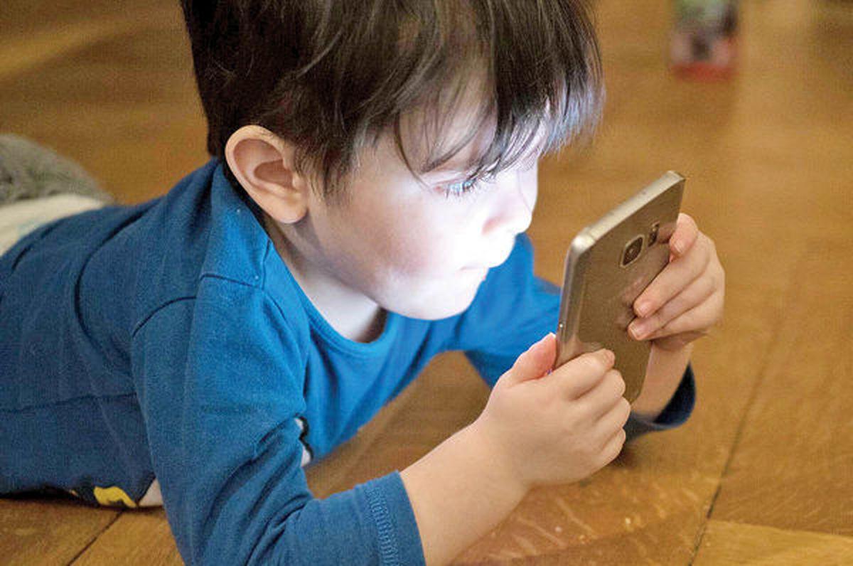 موبایلهای هوشمند، خلاقیت کودکان را میبلعند