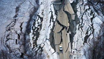 لحظه زلزله در آلاسکا +فیلم