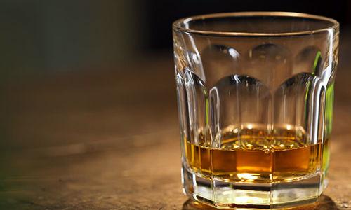 مسمومیت مرگبار با مشروب دستساز در قشم
