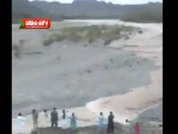 طغیان وحشتناک رودخانه سرباز در سیستانو بلوچستان +فیلم