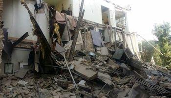 نجات پیر زن ۷۳ ساله از زیر آوار در تهران