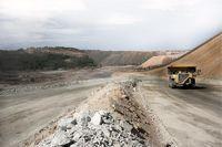 شرکتهای معدنی اسپانیا مجاز به ادامه فعالیت شدند