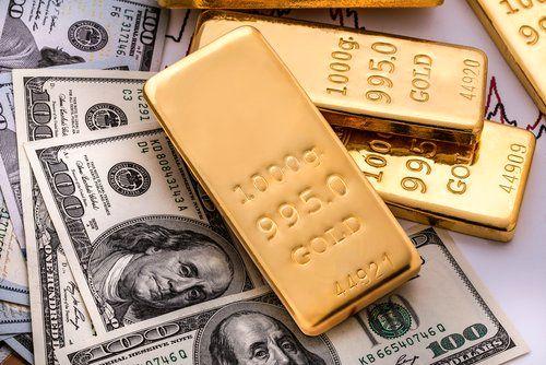 کاهش قابل توجه سهم دلار در ذخایر ارزی/ چرا بانکهای مرکزی جهان طلا میخرند؟