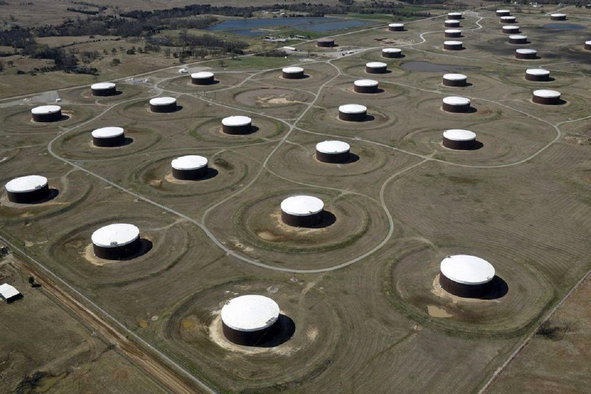 رشد قیمت نفت با انتظار تداوم افت موجودی / تقاضا به دلیل پروازهای آمریکا و اروپا بالا است