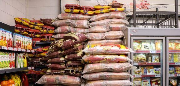 برنج و ماکارونی به وفور در بازار موجود است