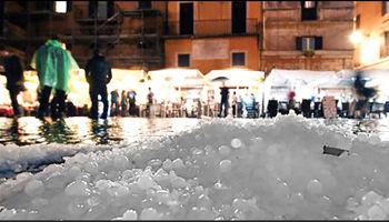 بارش تگرگهای بزرگ ایتالیا را فلج کرد +فیلم