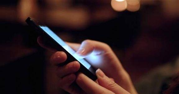آیا نور موبایل کوری و بیخوابی میآورد؟
